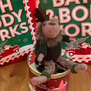 Bath and Bodyworks moose candle topper